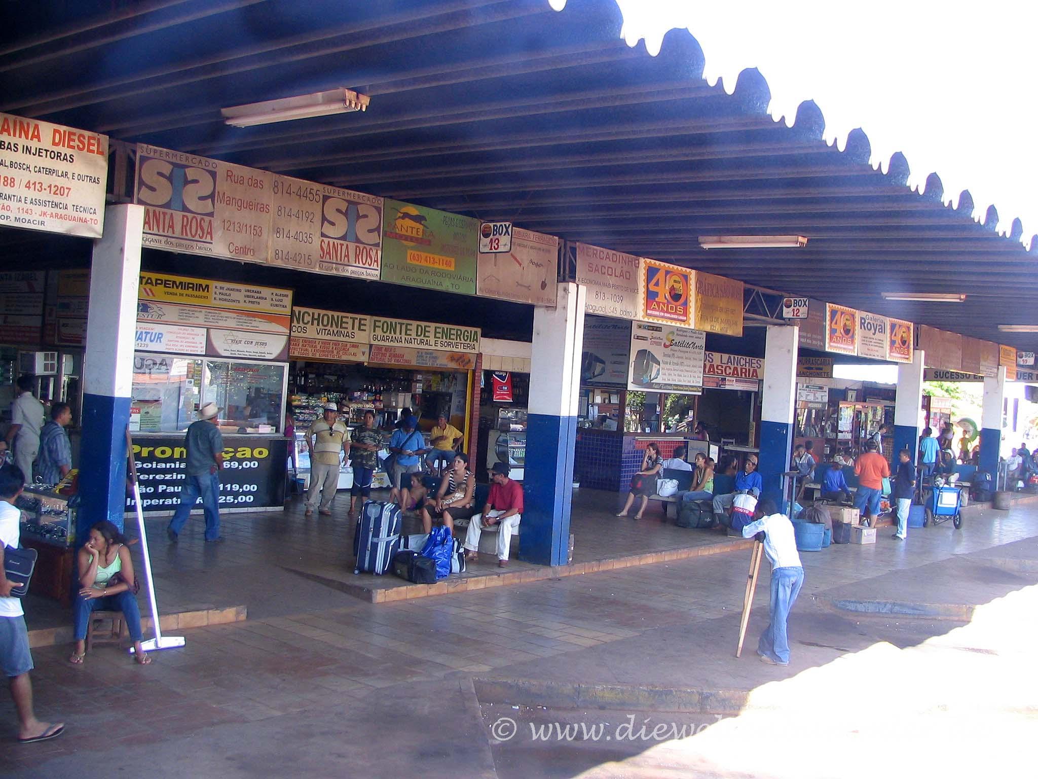Brasilianischer Busbahnhof