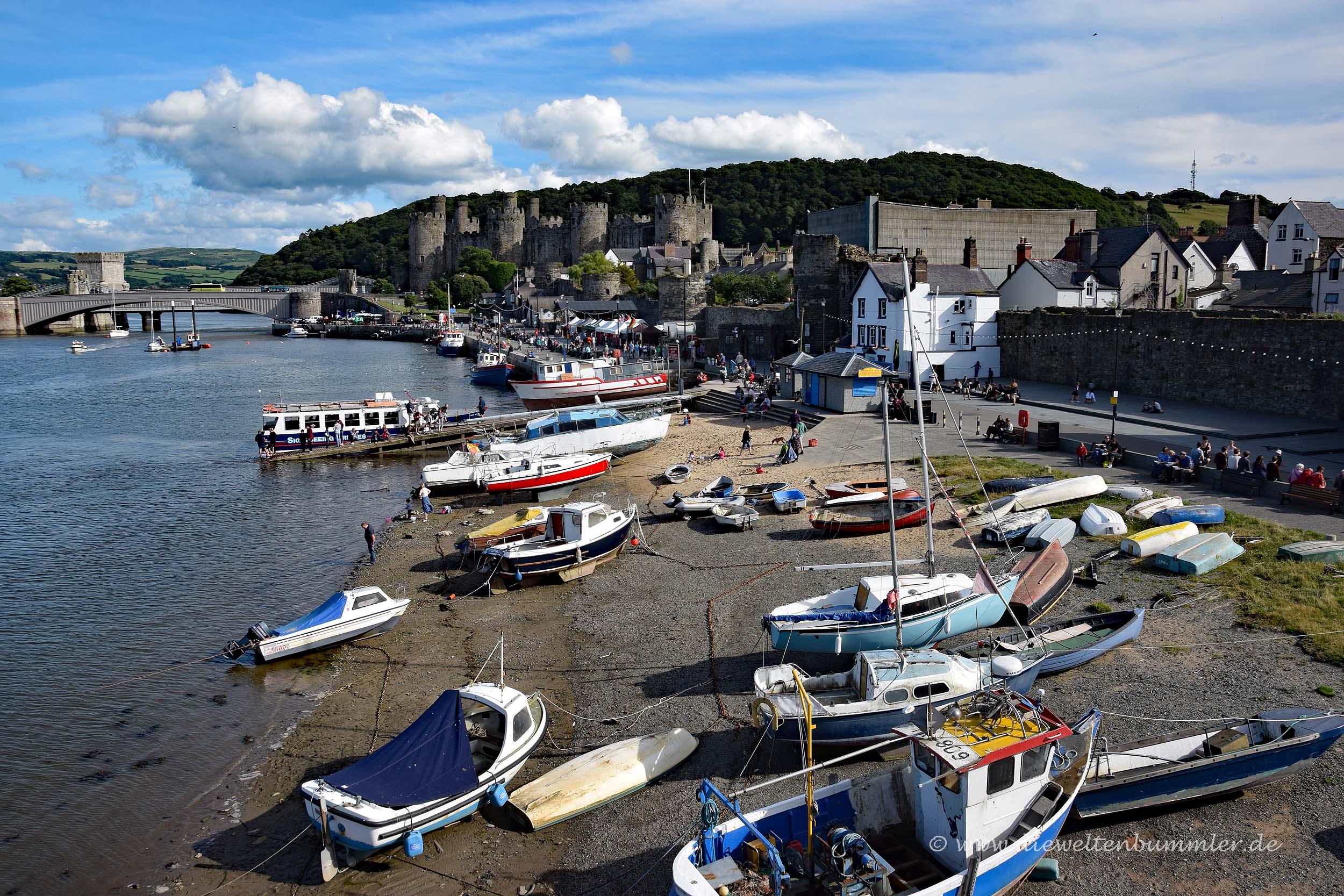 Hafen von Conwy mit Burg