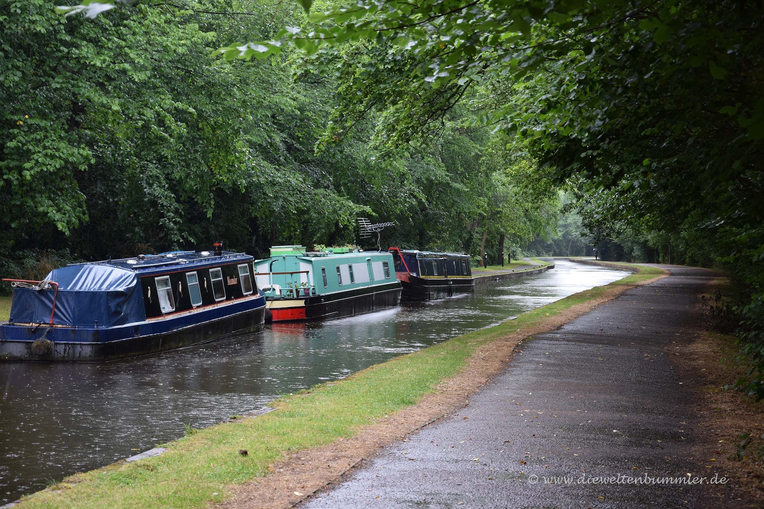 Kanal mit Treidelweg