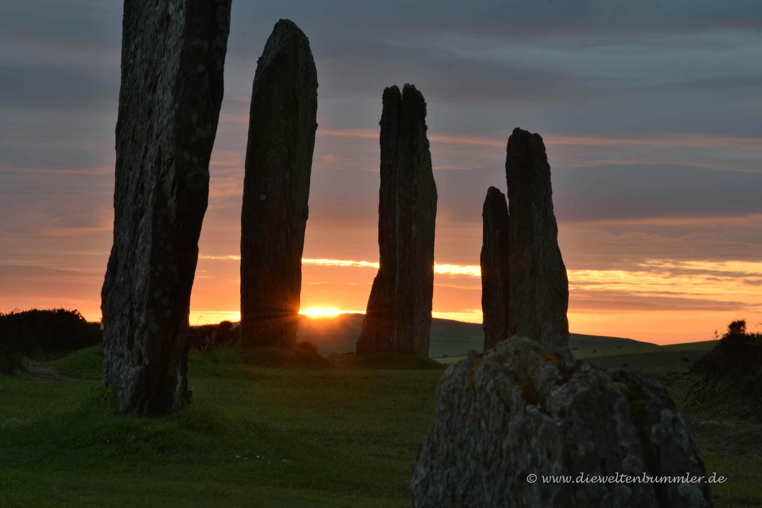 Ring of Brodgar beim Sonnenuntergang