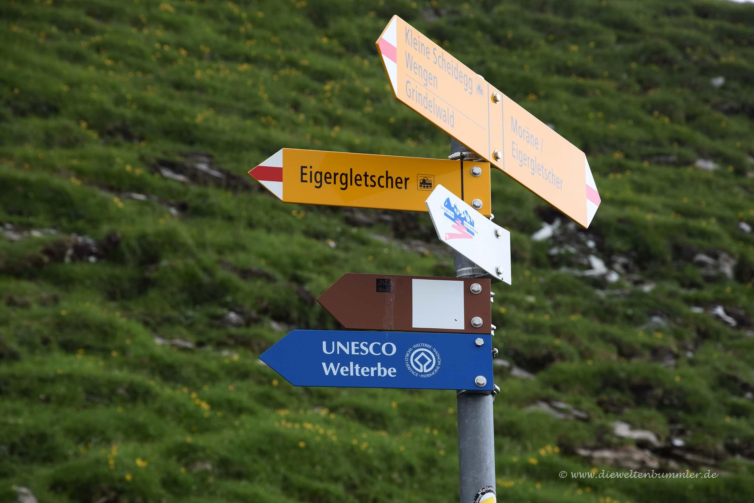 Wanderwegschilder am Eigerwalk