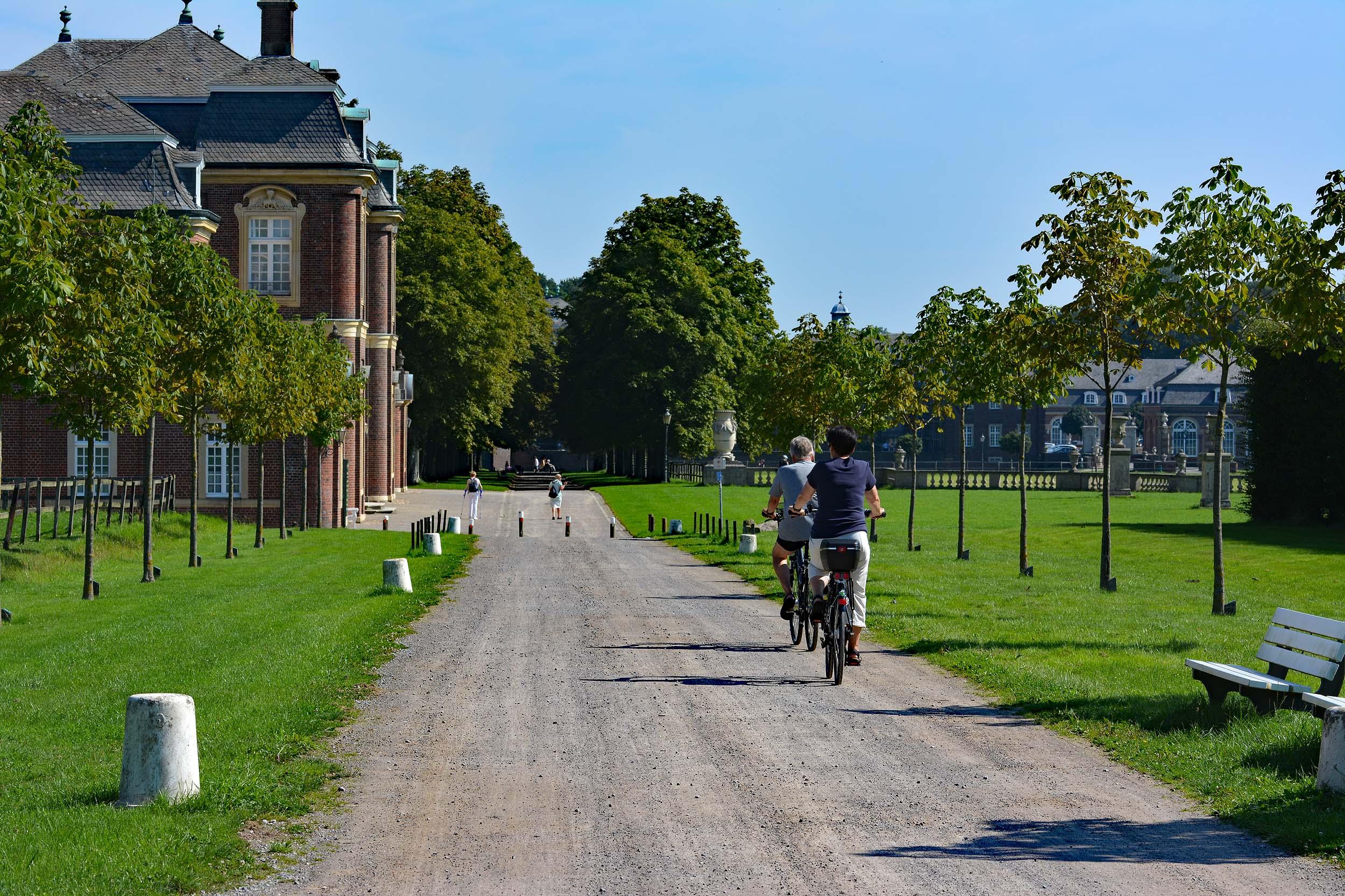 Radfahrer am Schloss Nordkirchen