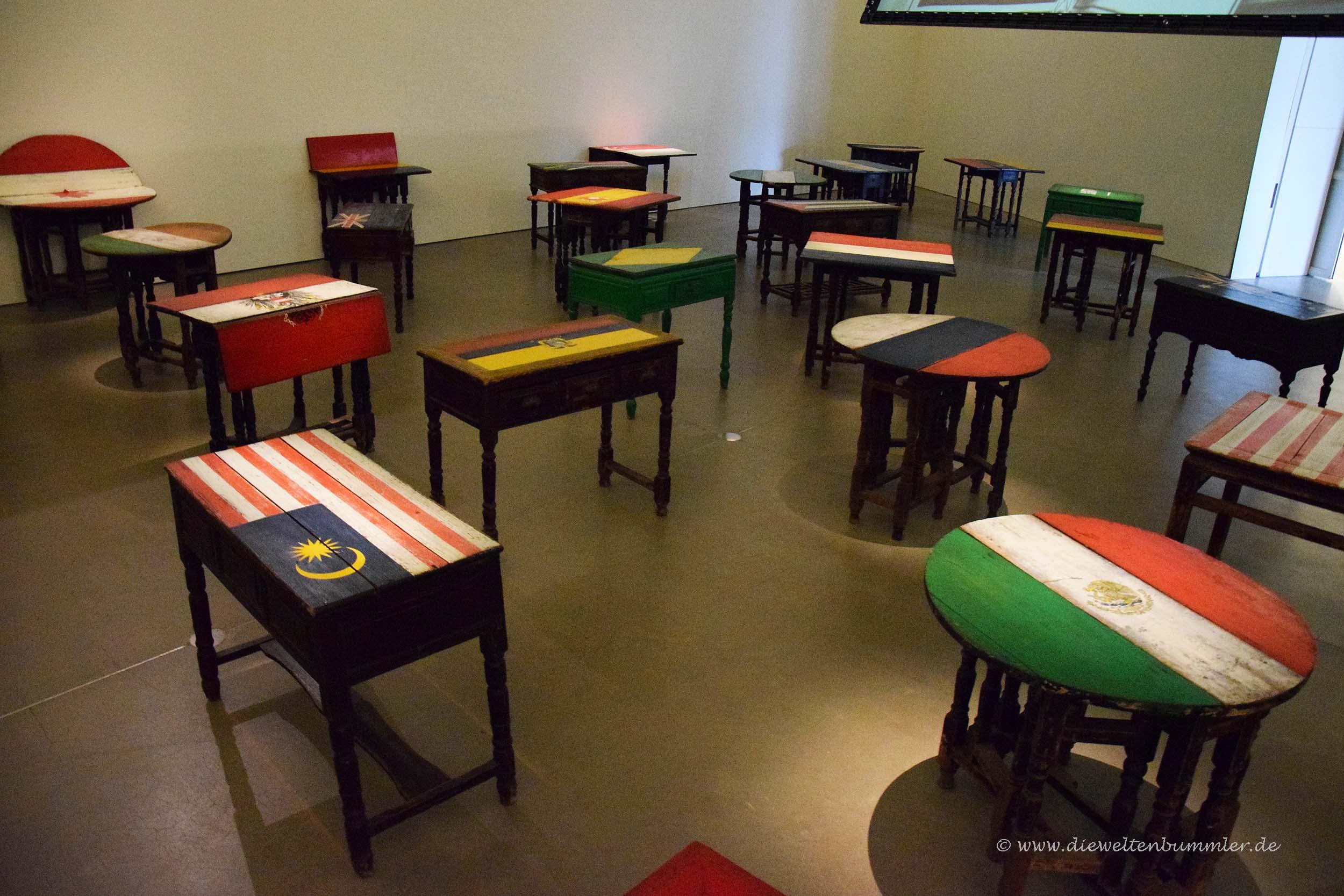 Tische mit Flaggenfarben