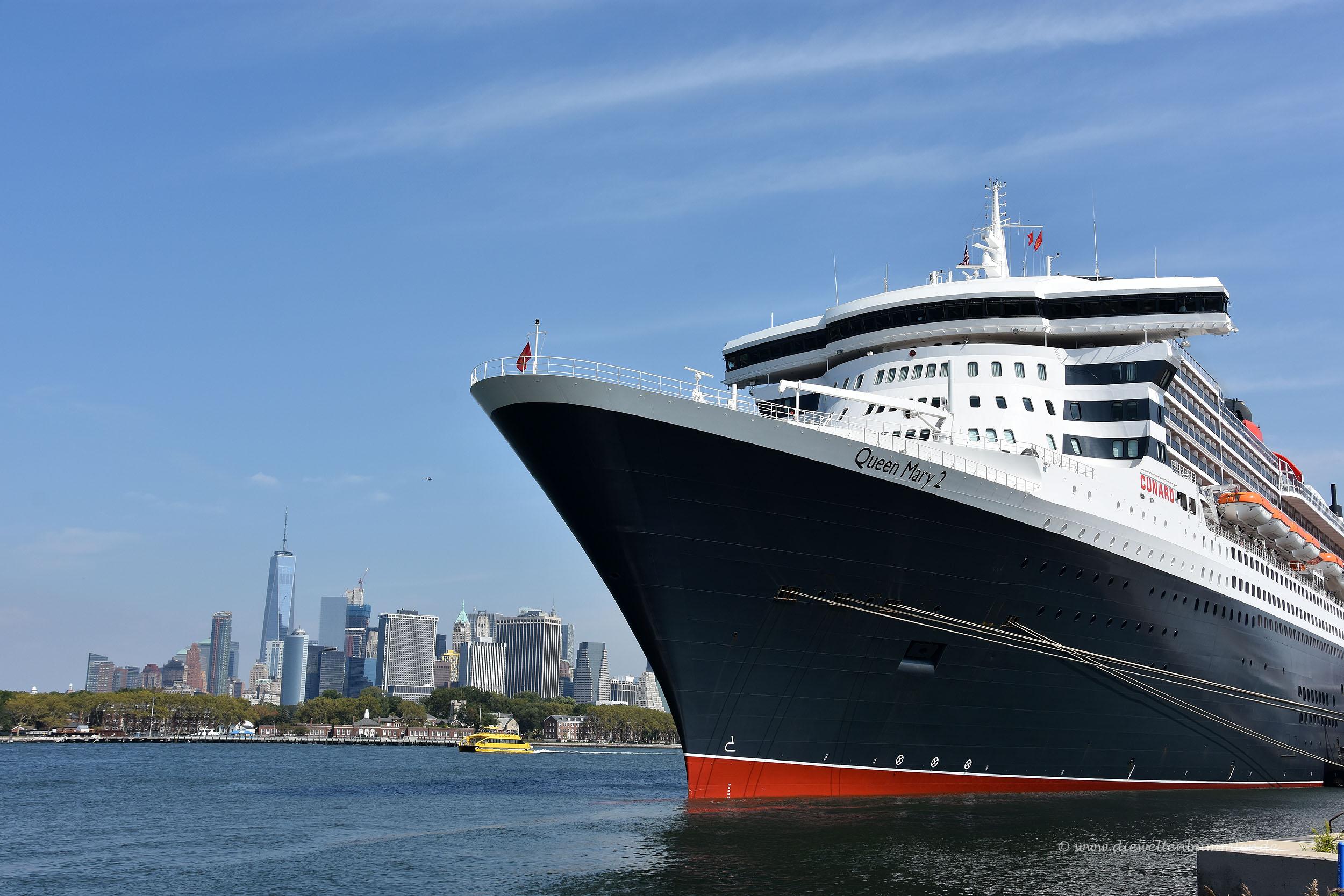 Queen Mary vor Manhattan