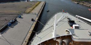 Noch im Hafen von Hamburg