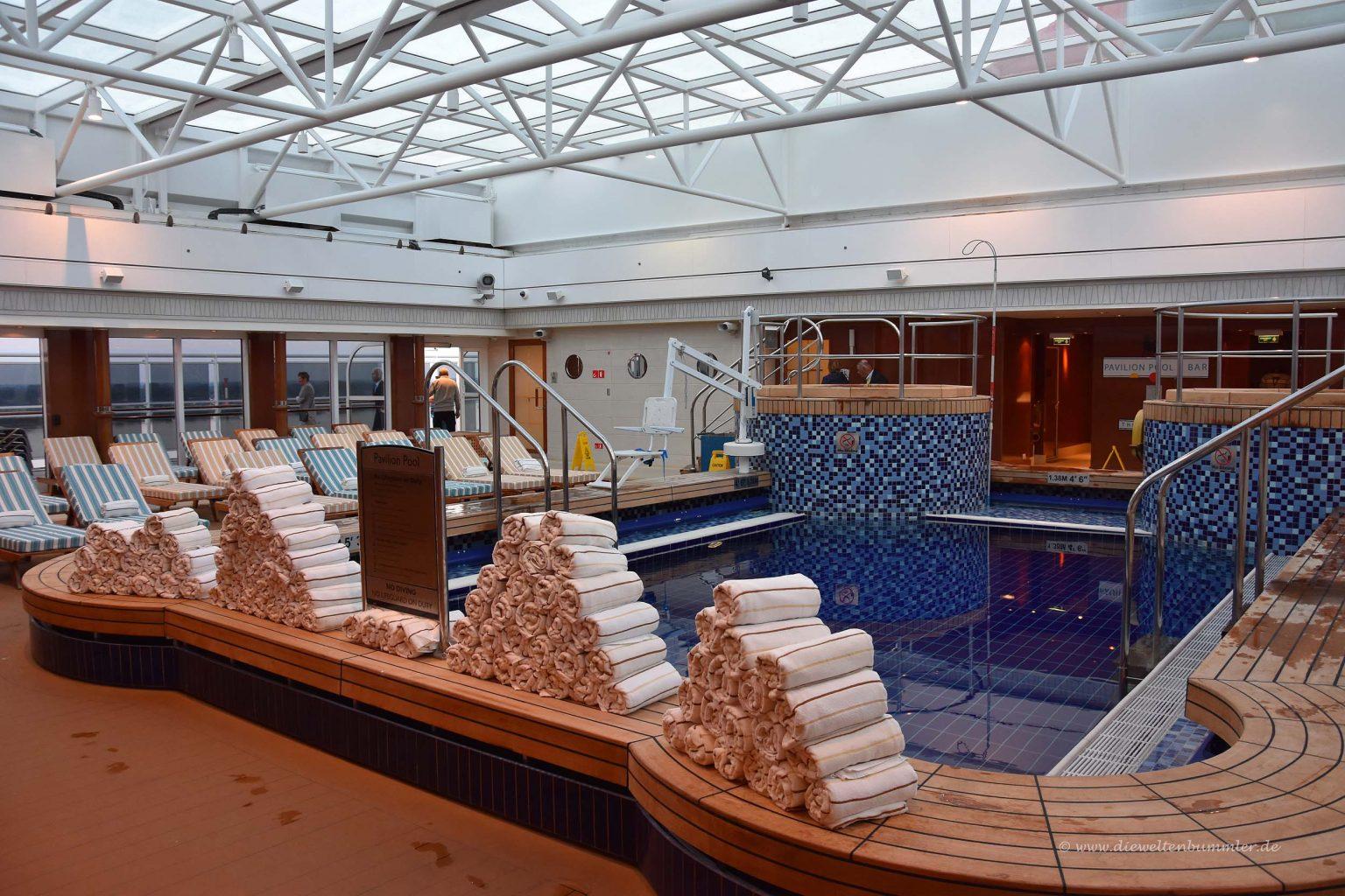Pool auf Deck 12