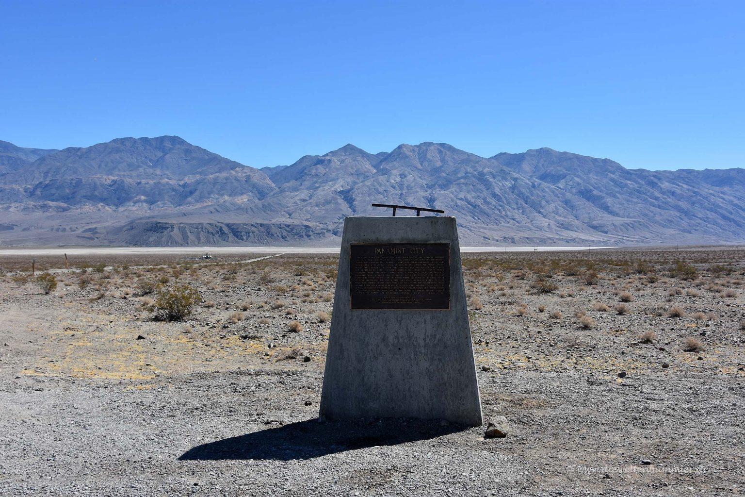 Denkmal in der Wüste