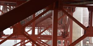 Golden Gate von unten