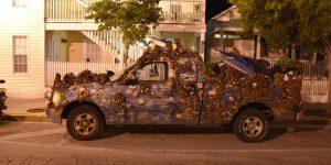 Verkleidetes Auto