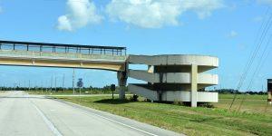 Übergang über den Highway