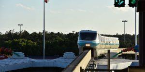 Mit der Monorail zu den anderen Parks