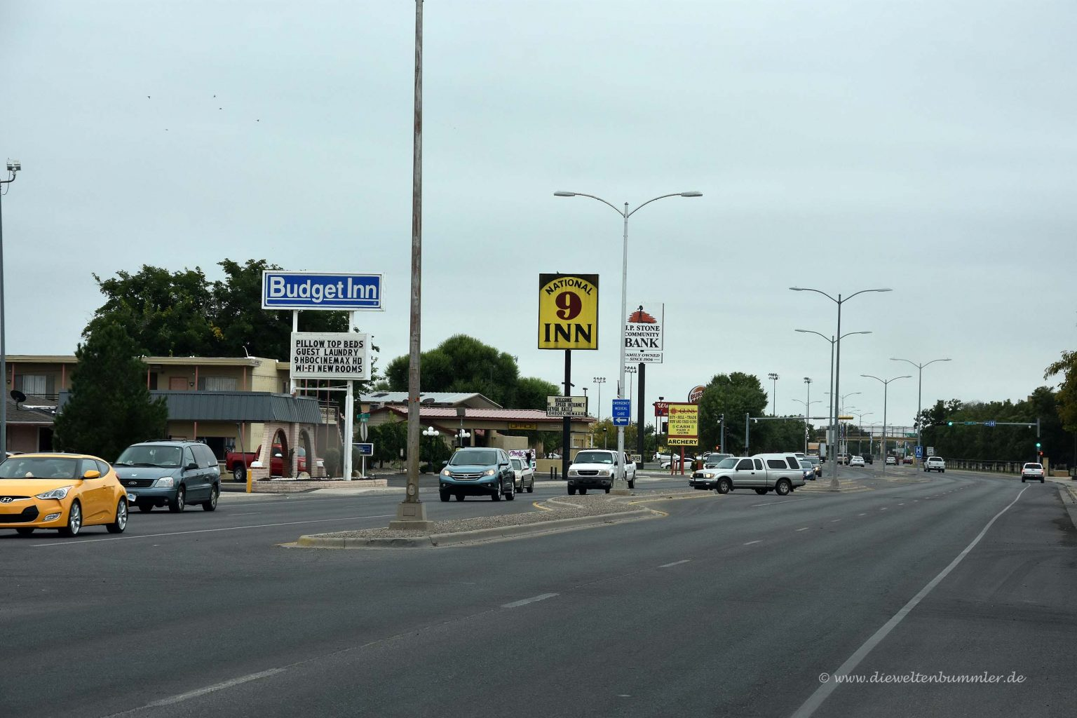 Typische Straße in amerikanischer Kleinstadt