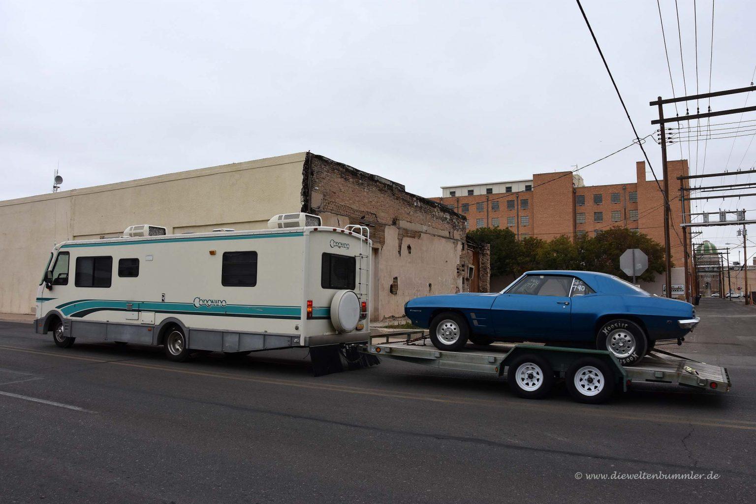 Wohnmobil mit Anhänger