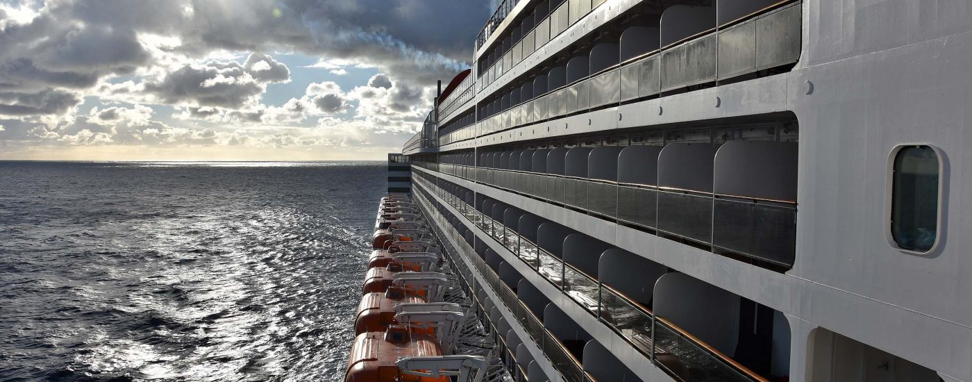 Die Queen Mary 2 auf hoher See