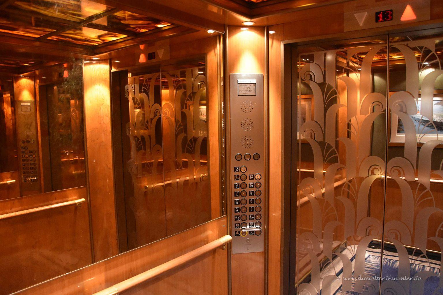 Fahrstuhl der Queen Mary 2