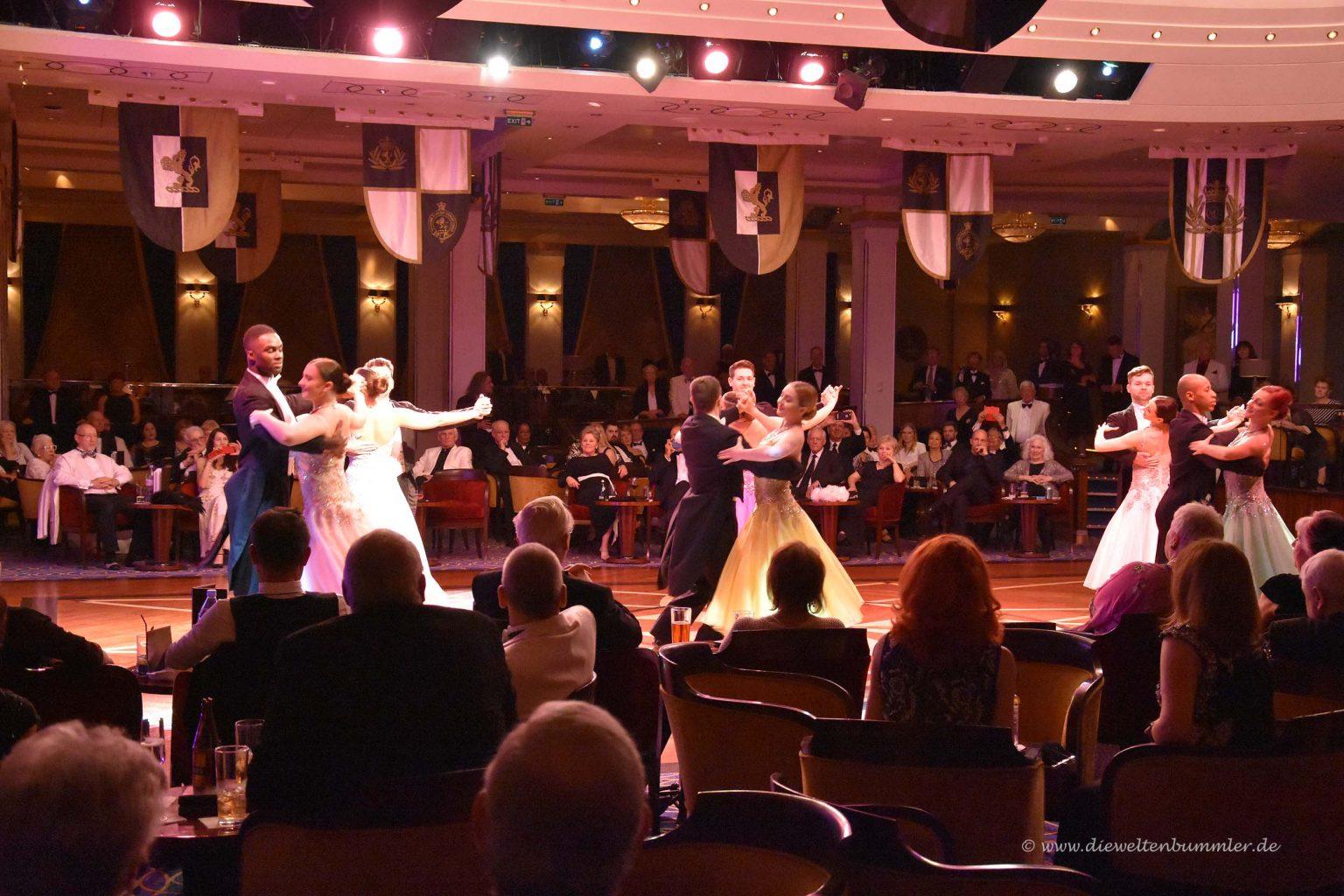 Tanz-Ensemble der Queen Mary 2