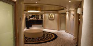 Zugang zum exklusiven Verandah-Restaurant