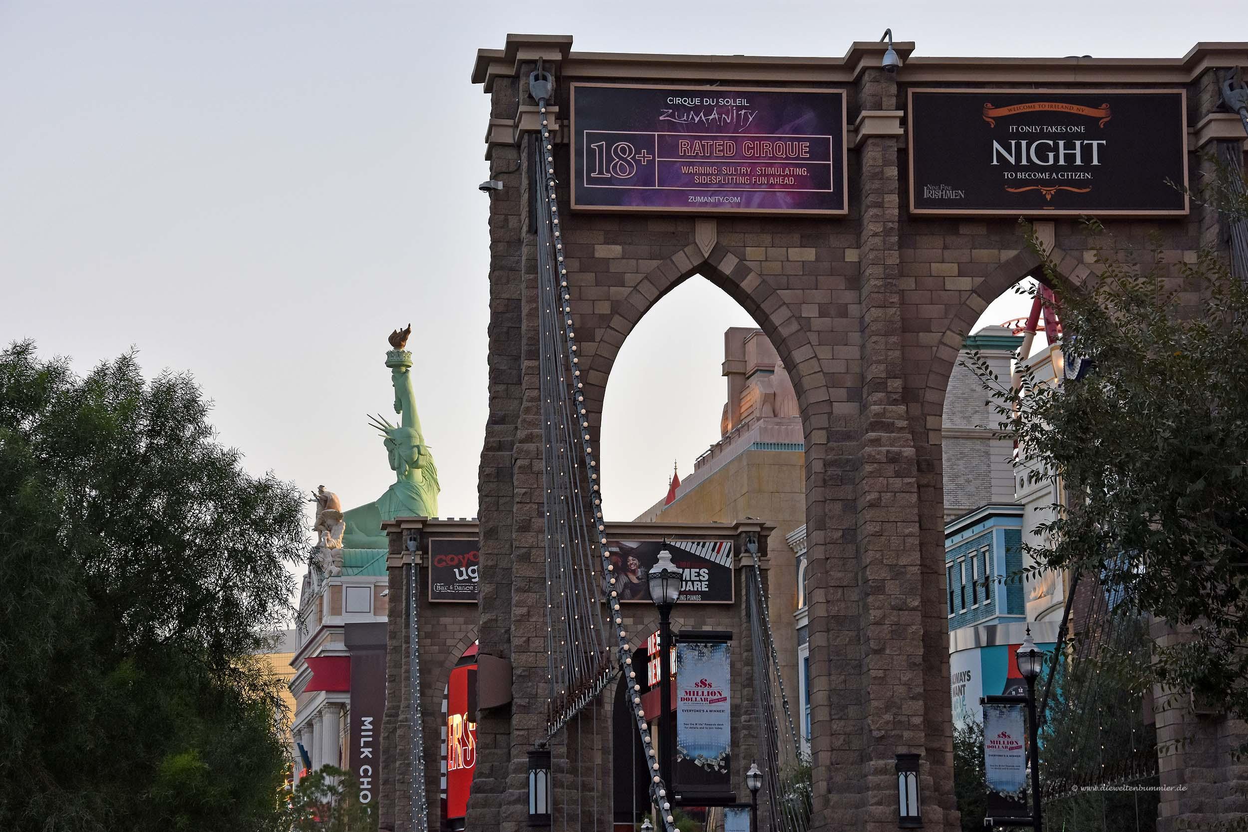 Brooklyn Bridge und Freiheitstatue in Las Vegas
