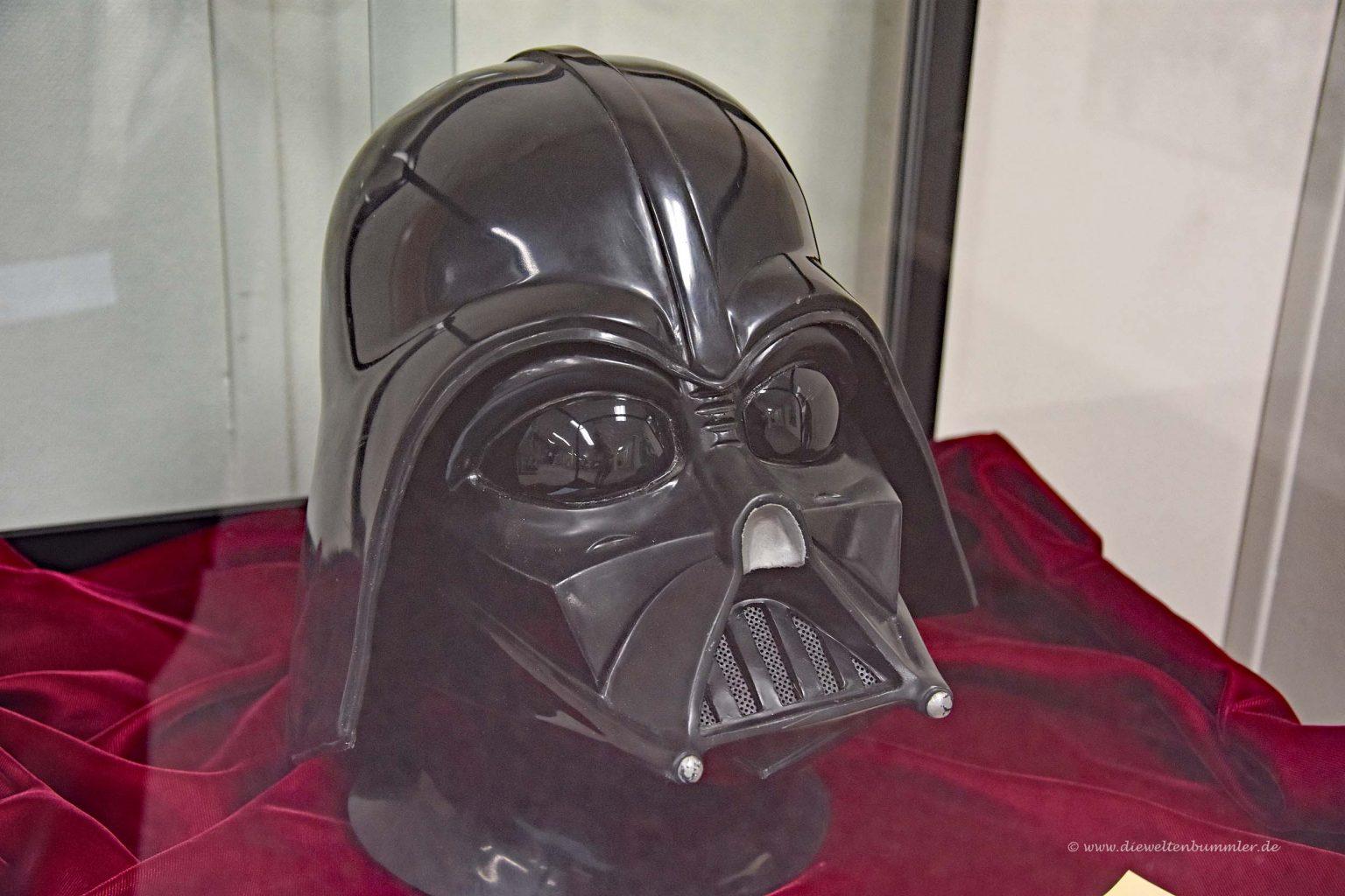 Darth Vader Maske als Geschenk