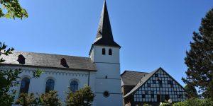 Kirche und Burg Honrath