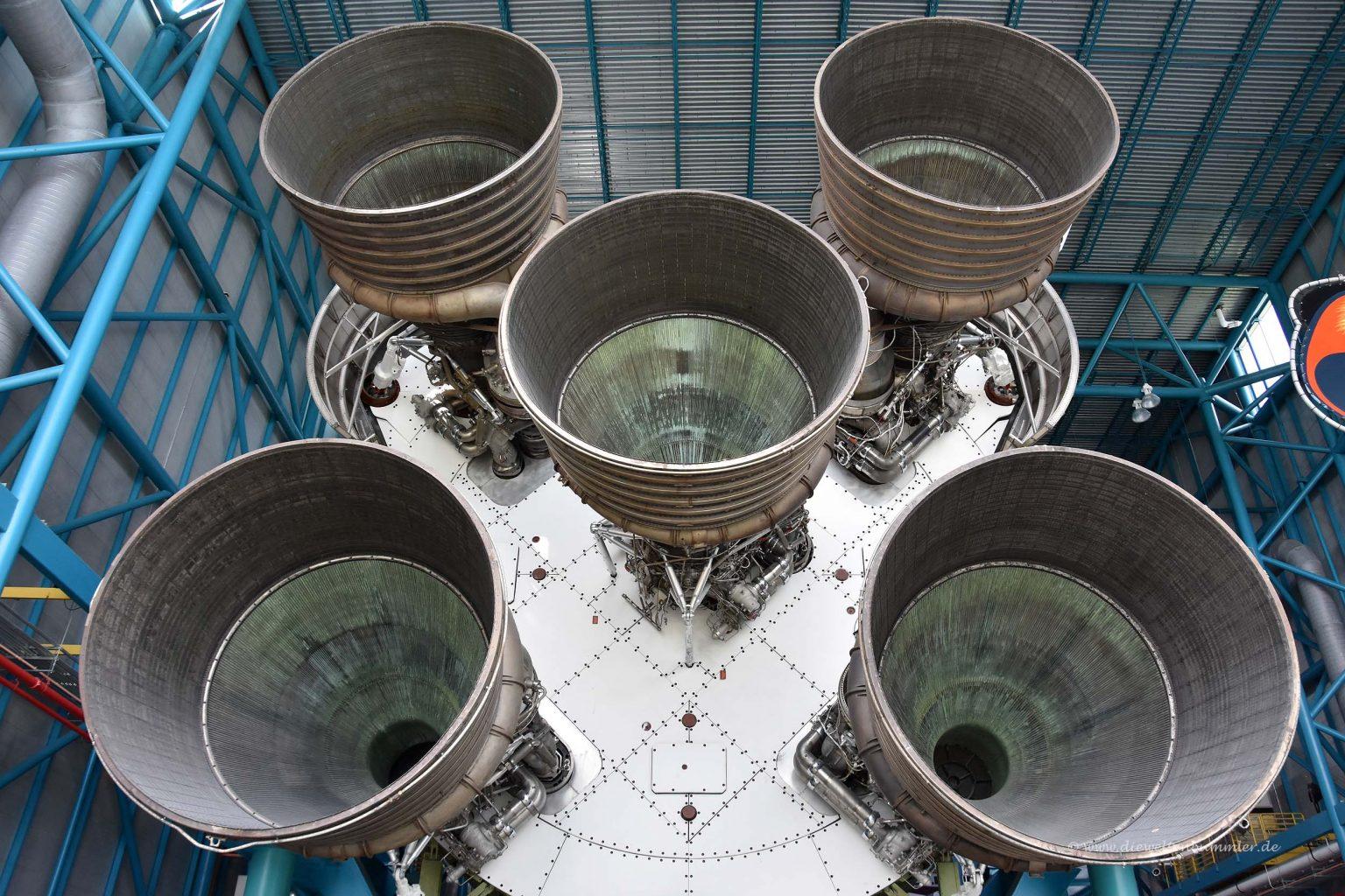 Triebwerke der Saturn V