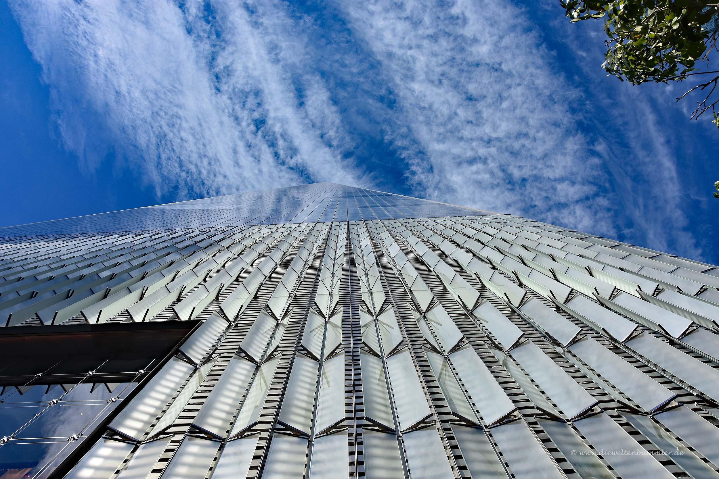 One World Trade Center von unten