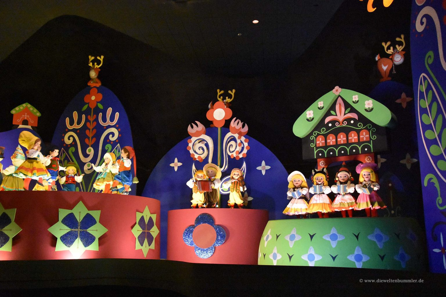 Puppen bei It s a small world