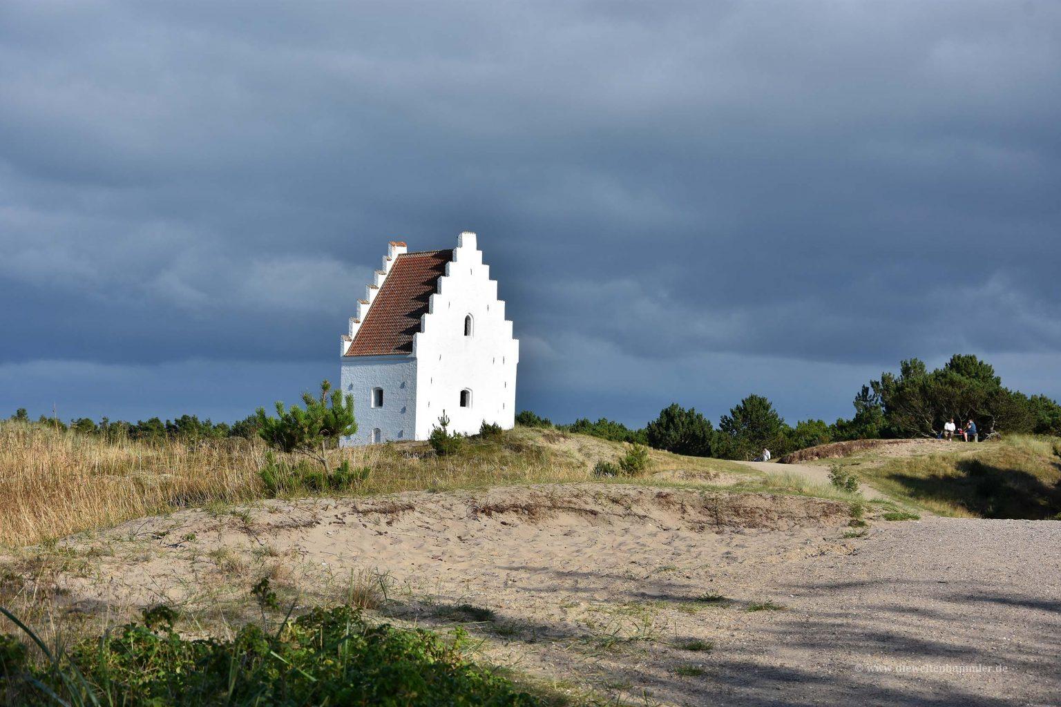 Versandeter Kirchturm