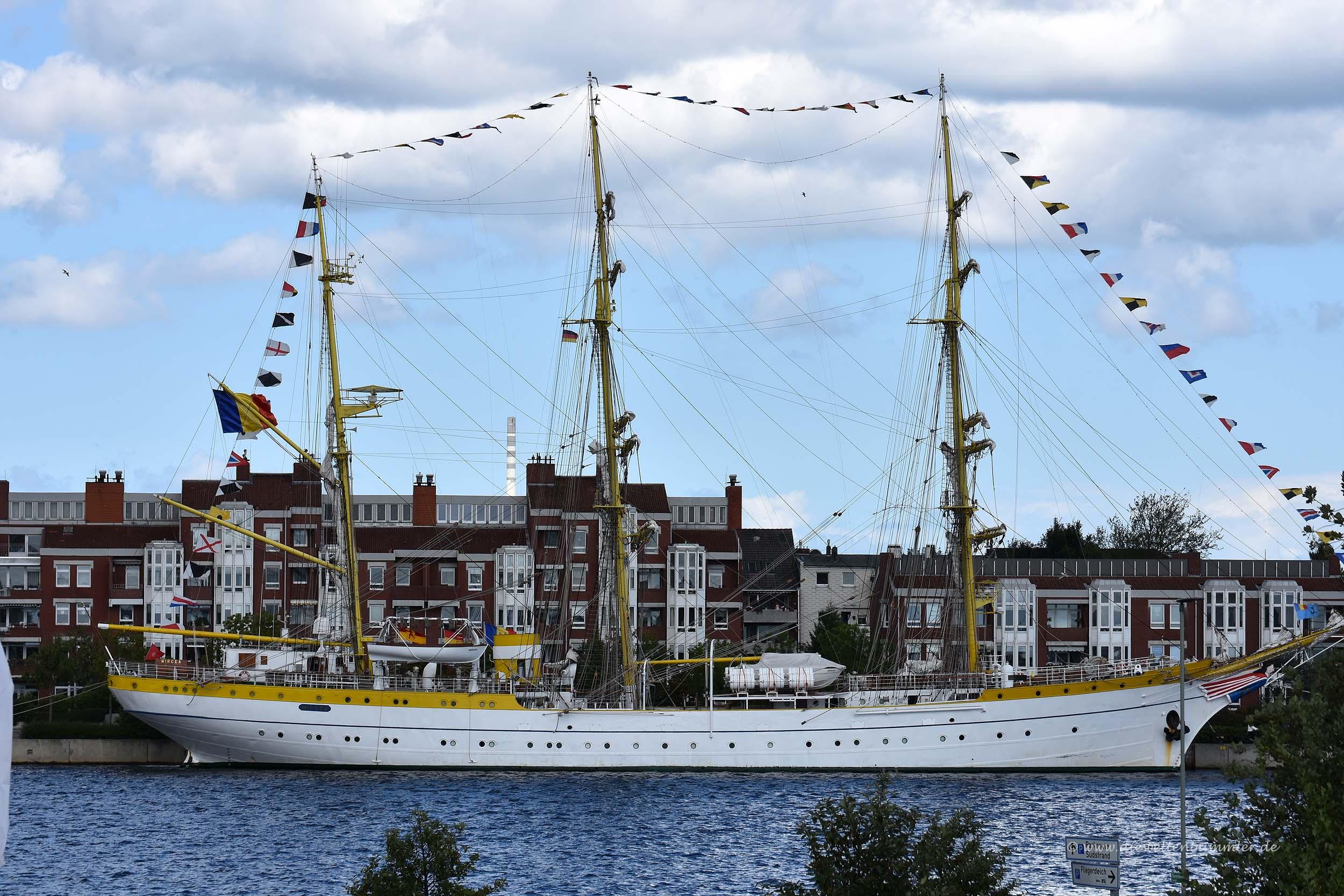 Schiff in Wilhelmshaven