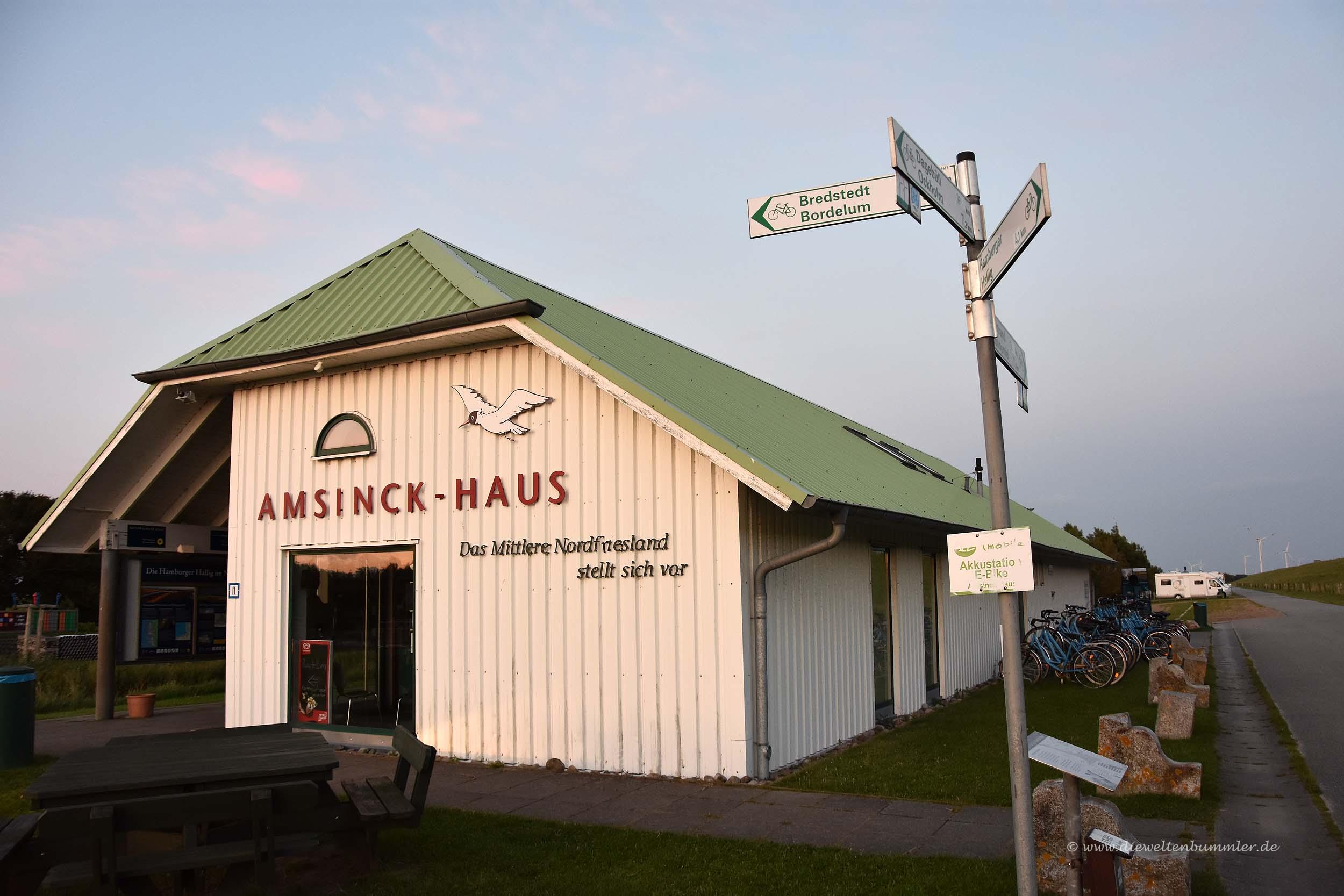 Amsinck-Haus hinter dem Deich
