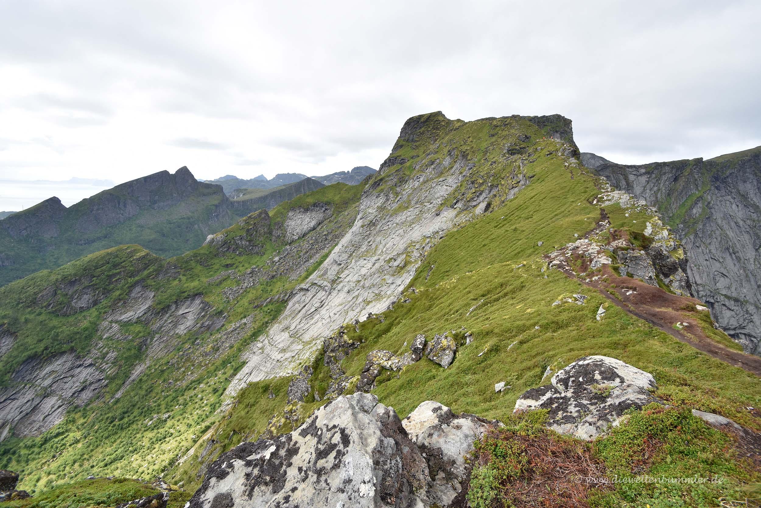 Blick über die anderen Gipfel