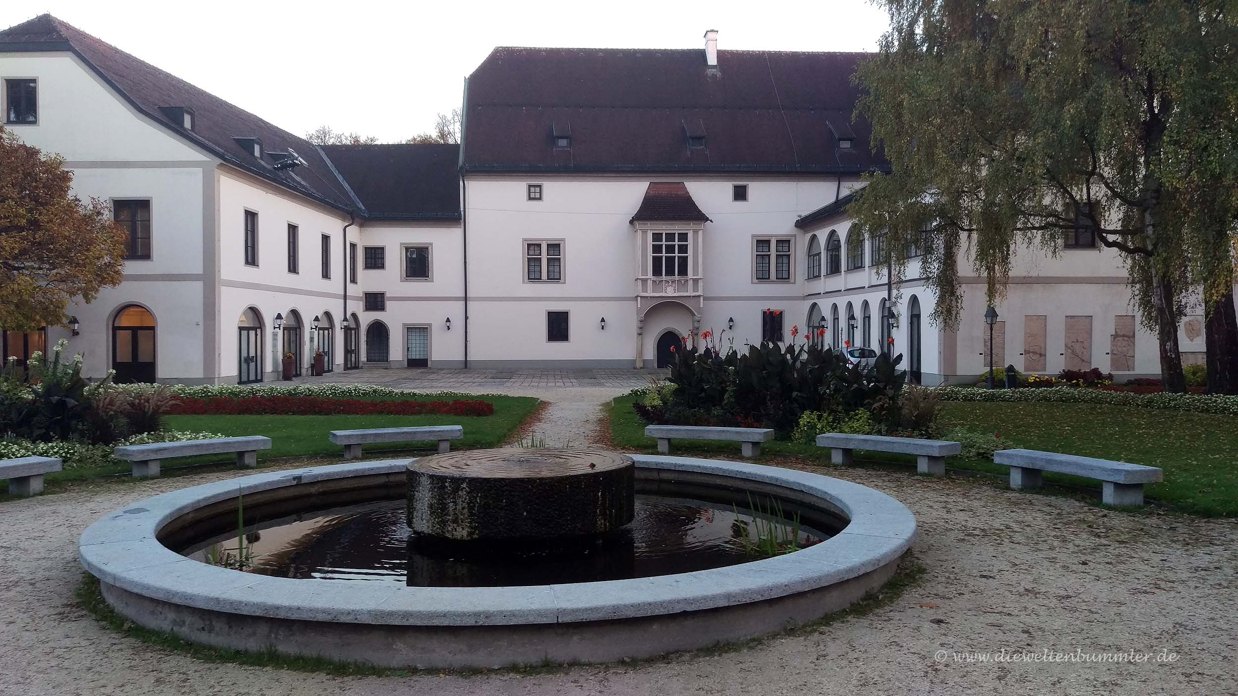 Brunnen im Burghof
