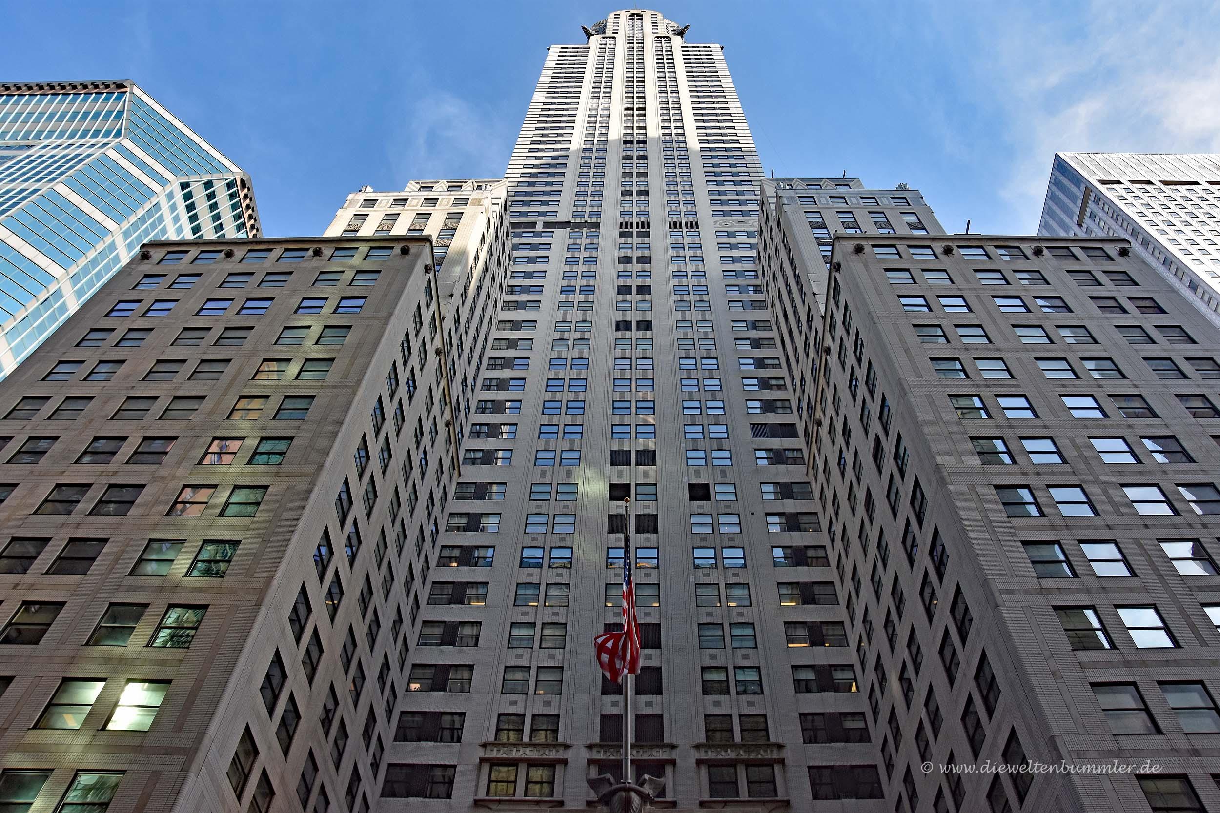 Am Eingang vom Chrysler Building