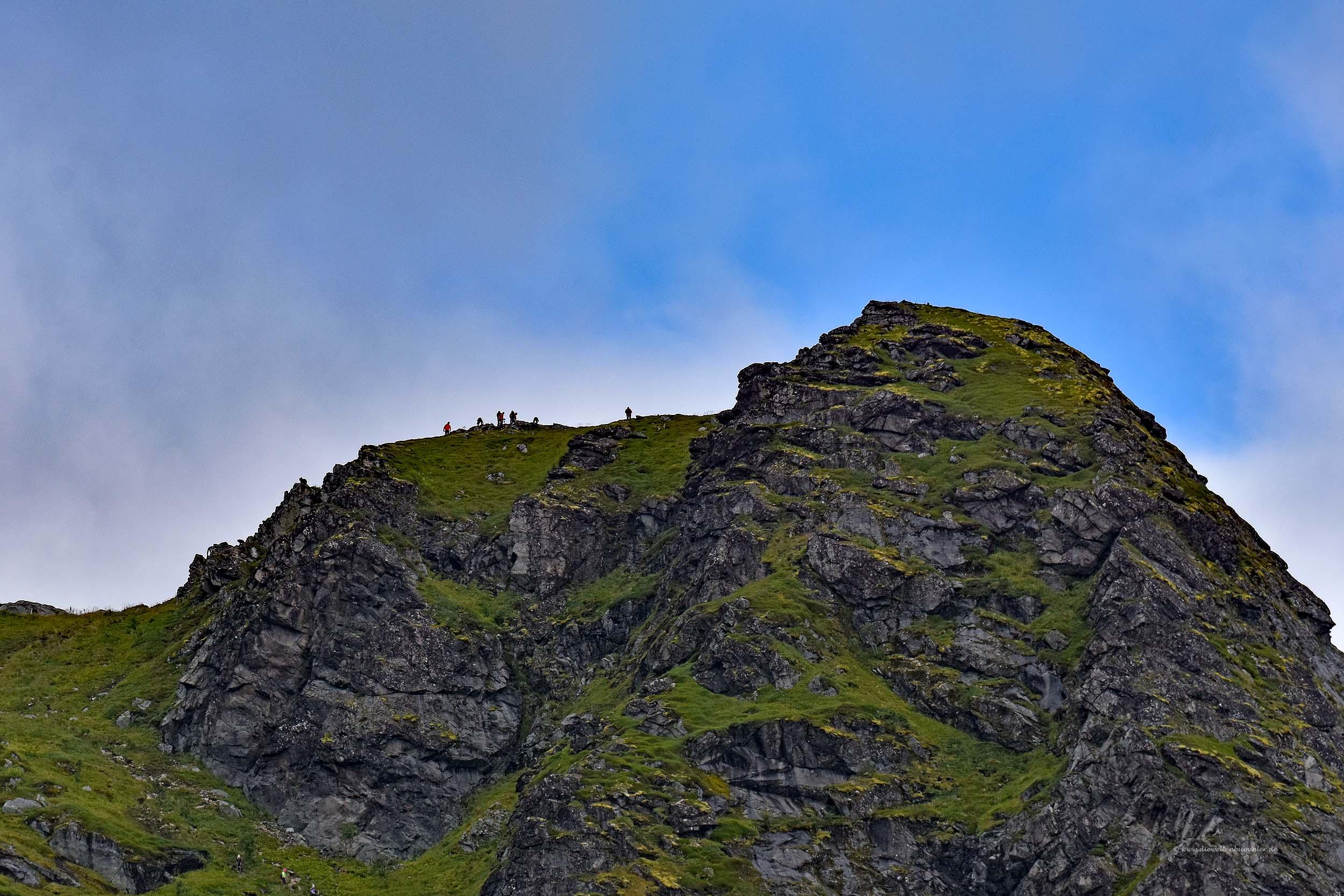 Dort oben sind Wanderer