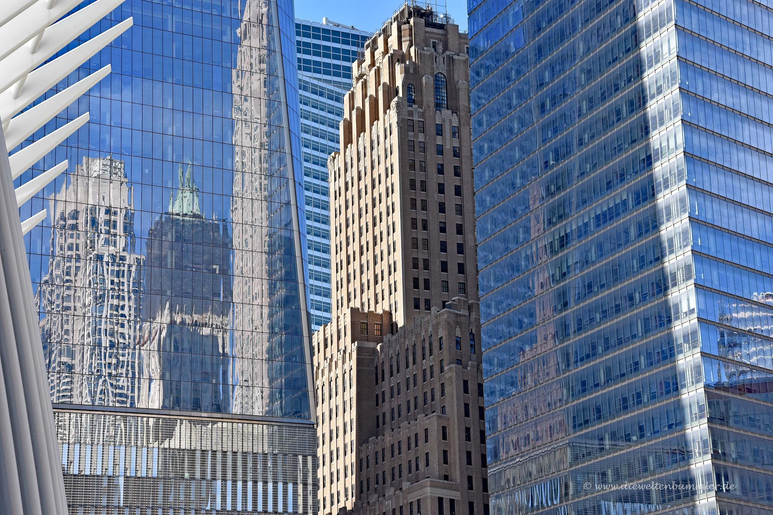 New York Telephone Building neben dem One World Trade Center