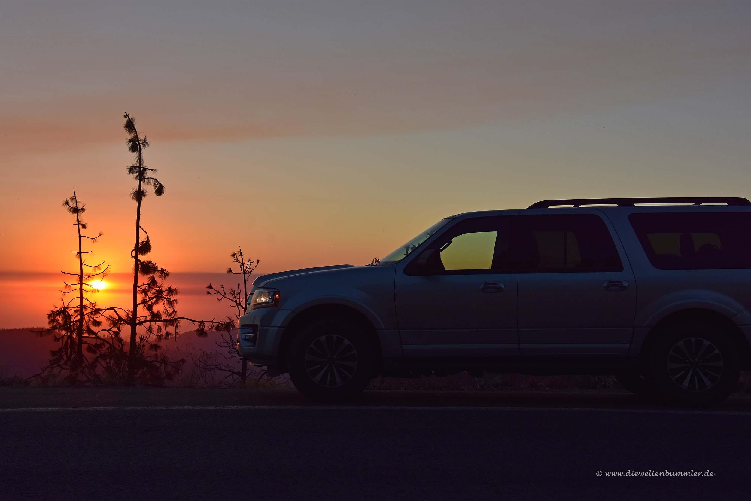 Unser Mietwagen im Abendlicht