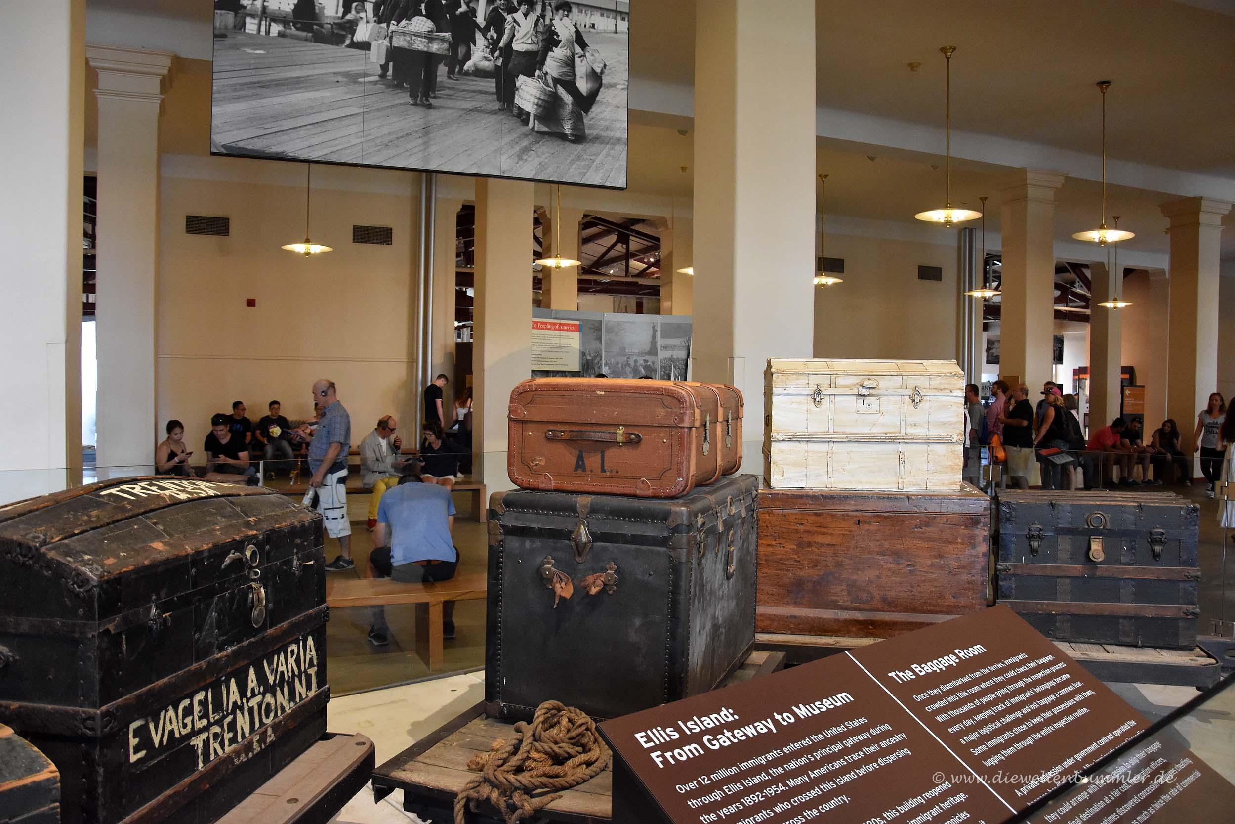 Koffer im Foyer