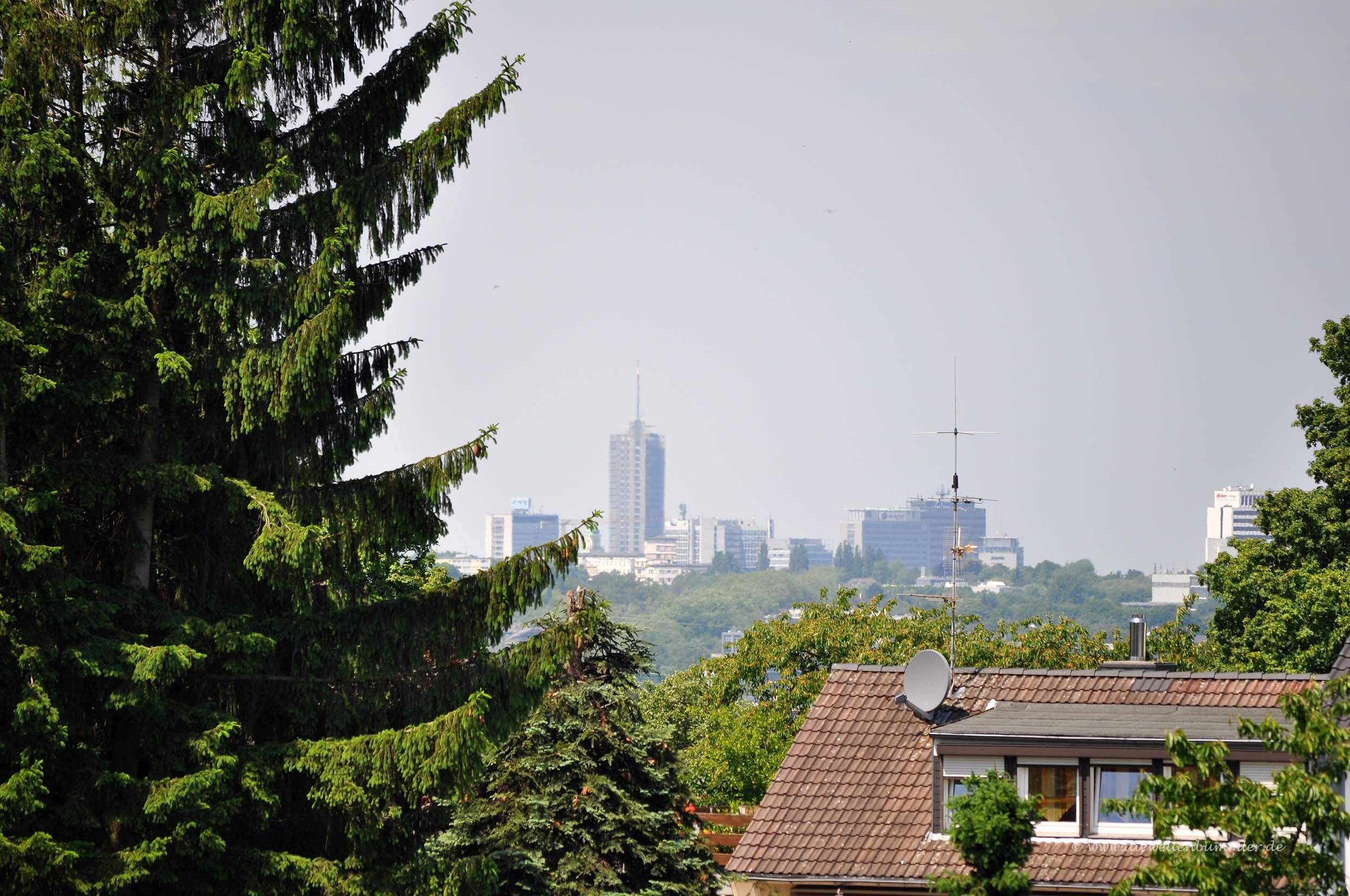 Blick von Überruhr zur Essener Skyline