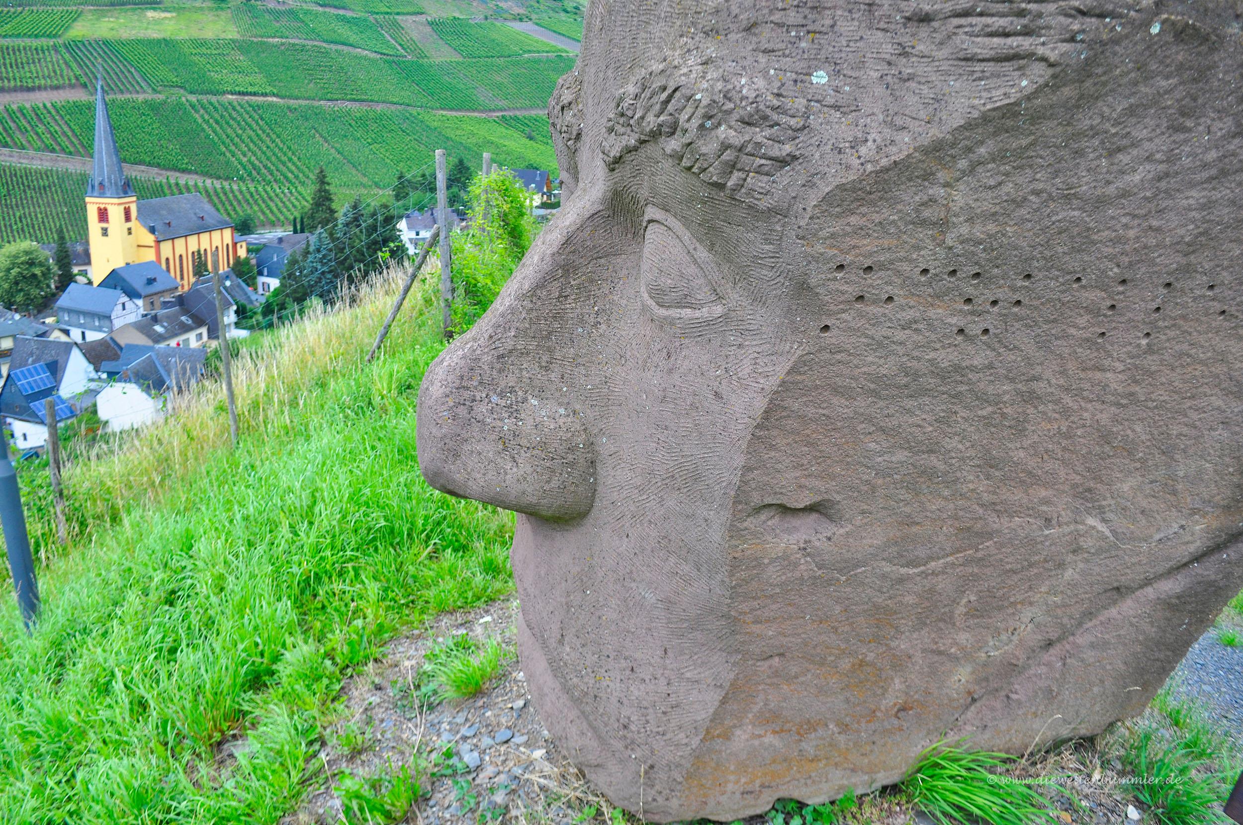 Skulptur wie auf den Osterinseln