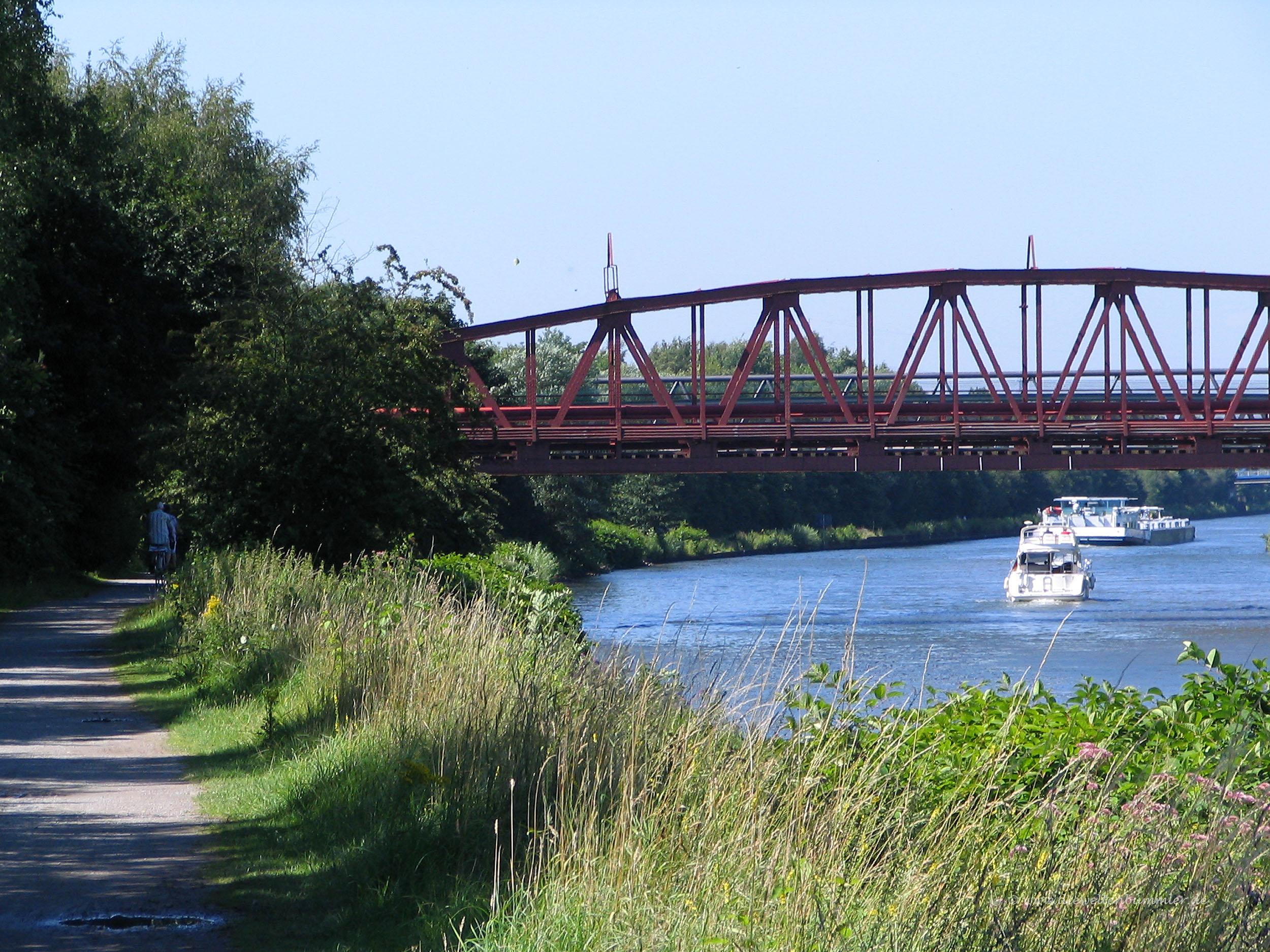 Spazierweg am Rhein-Herne-Kanal