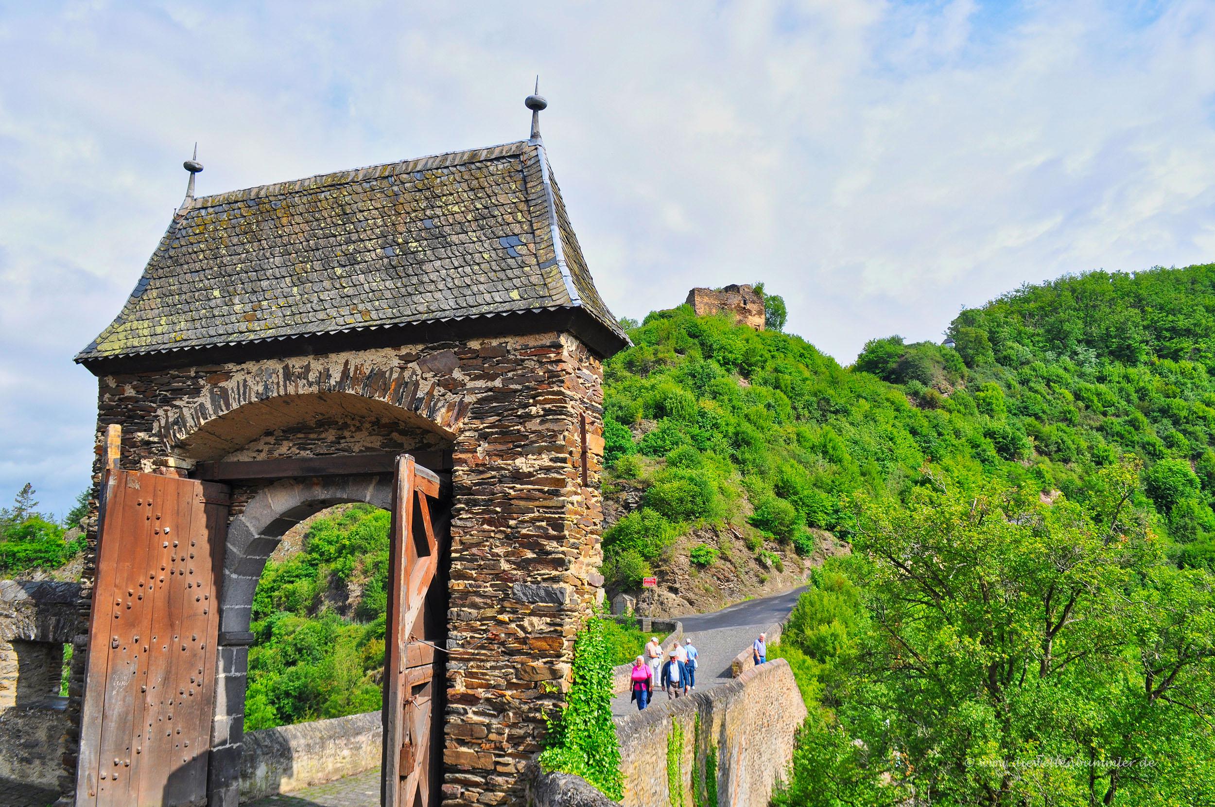 Tor an der Burg Eltz