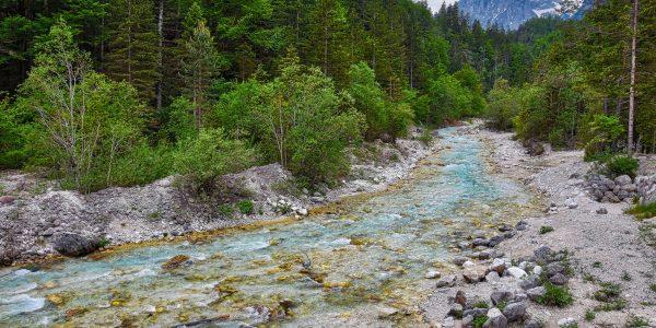 Gebirgsbach in Slowenien