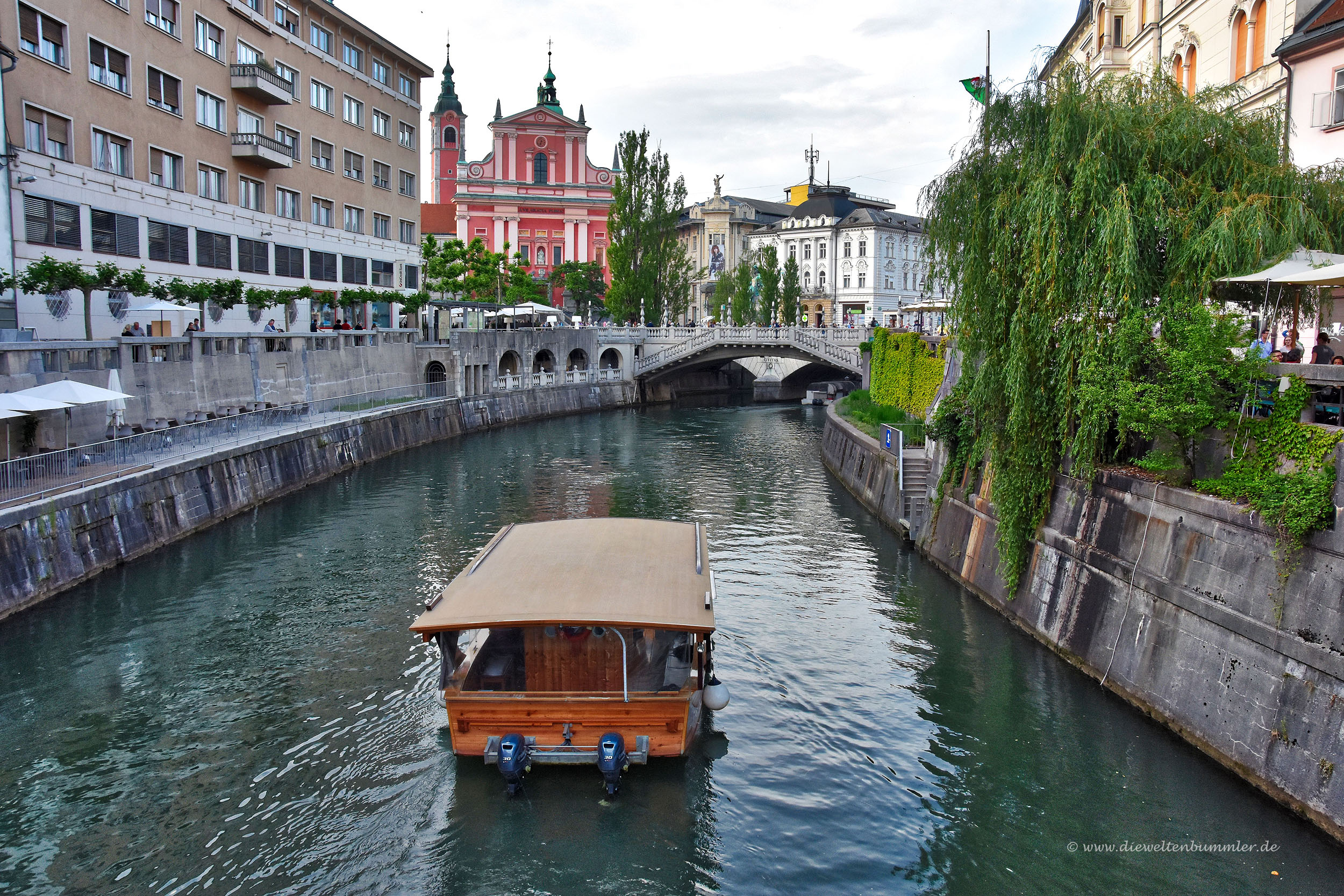 Mit dem Boot durch Ljubljana