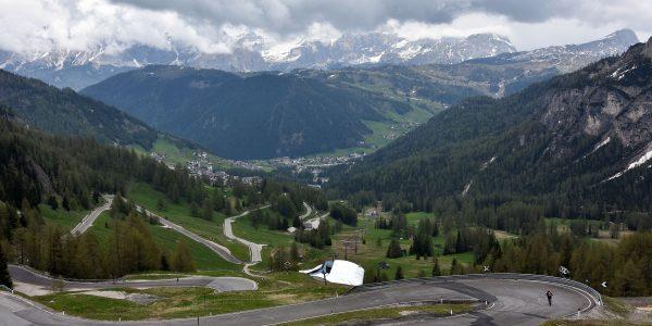 Serpentinenstraße in Südtirol