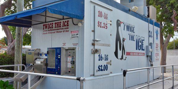Öffentliche Eismaschine