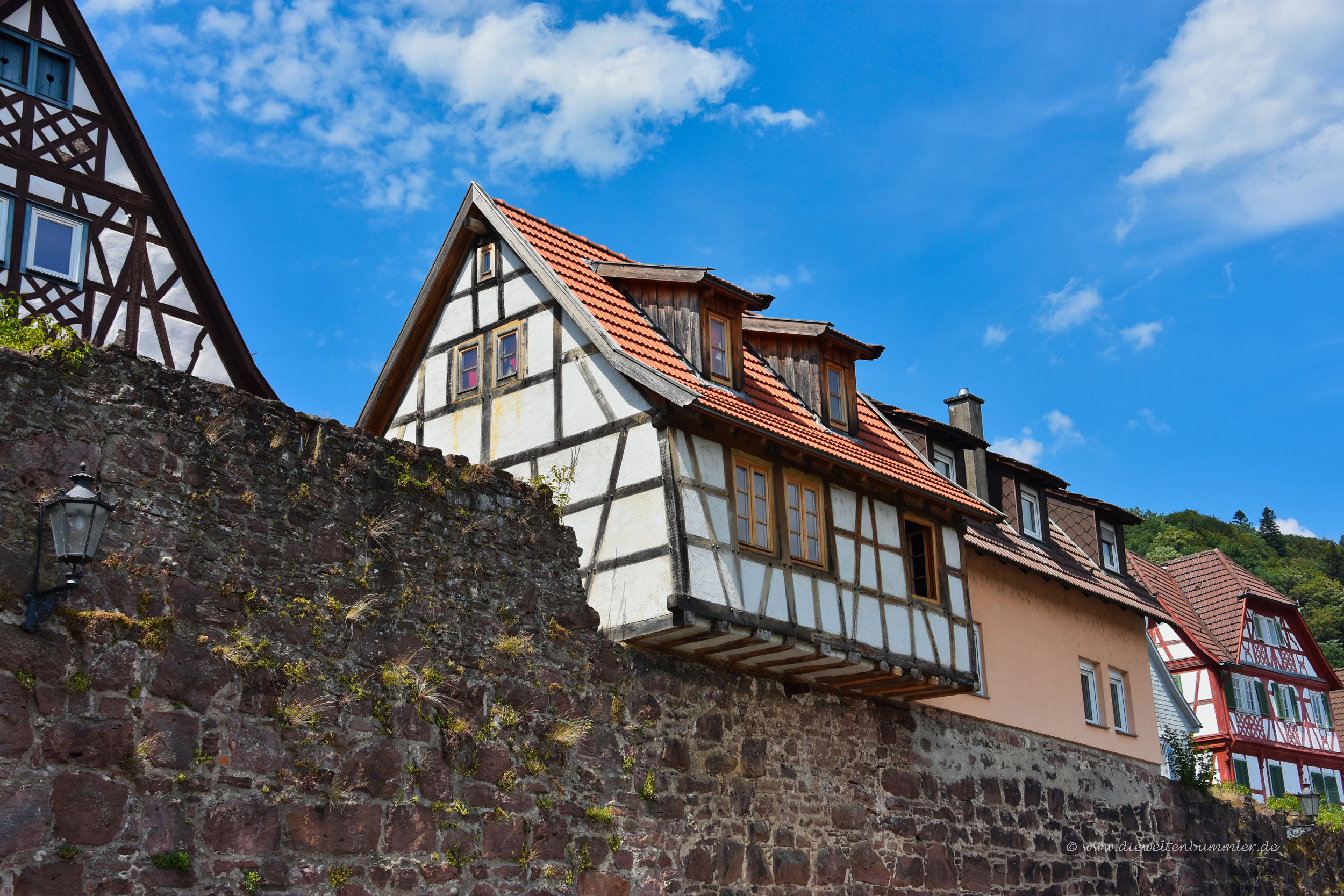 Fachwerk und Stadtmauer in Hirschhorn
