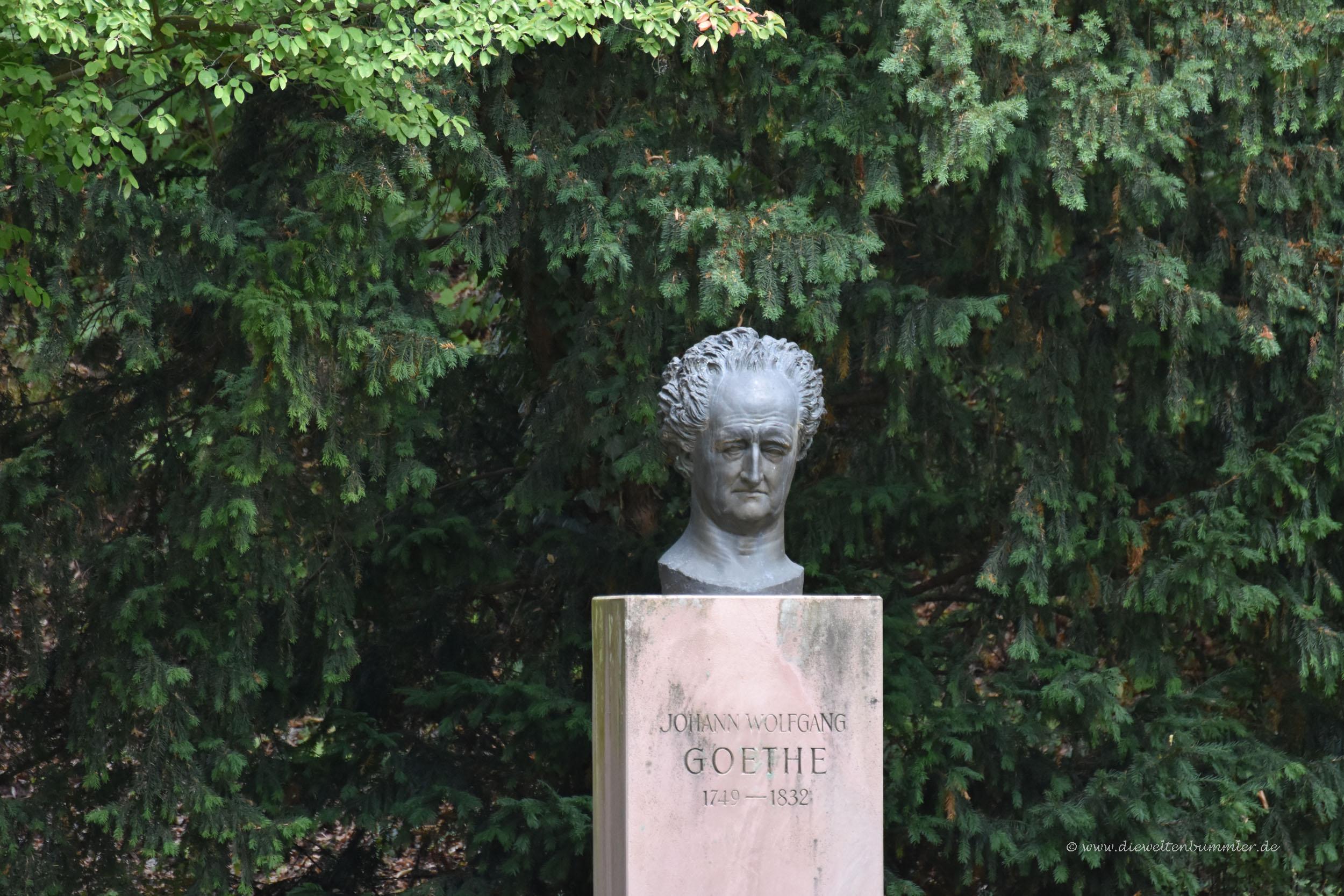 Goethe-Büste im Schlossgarten