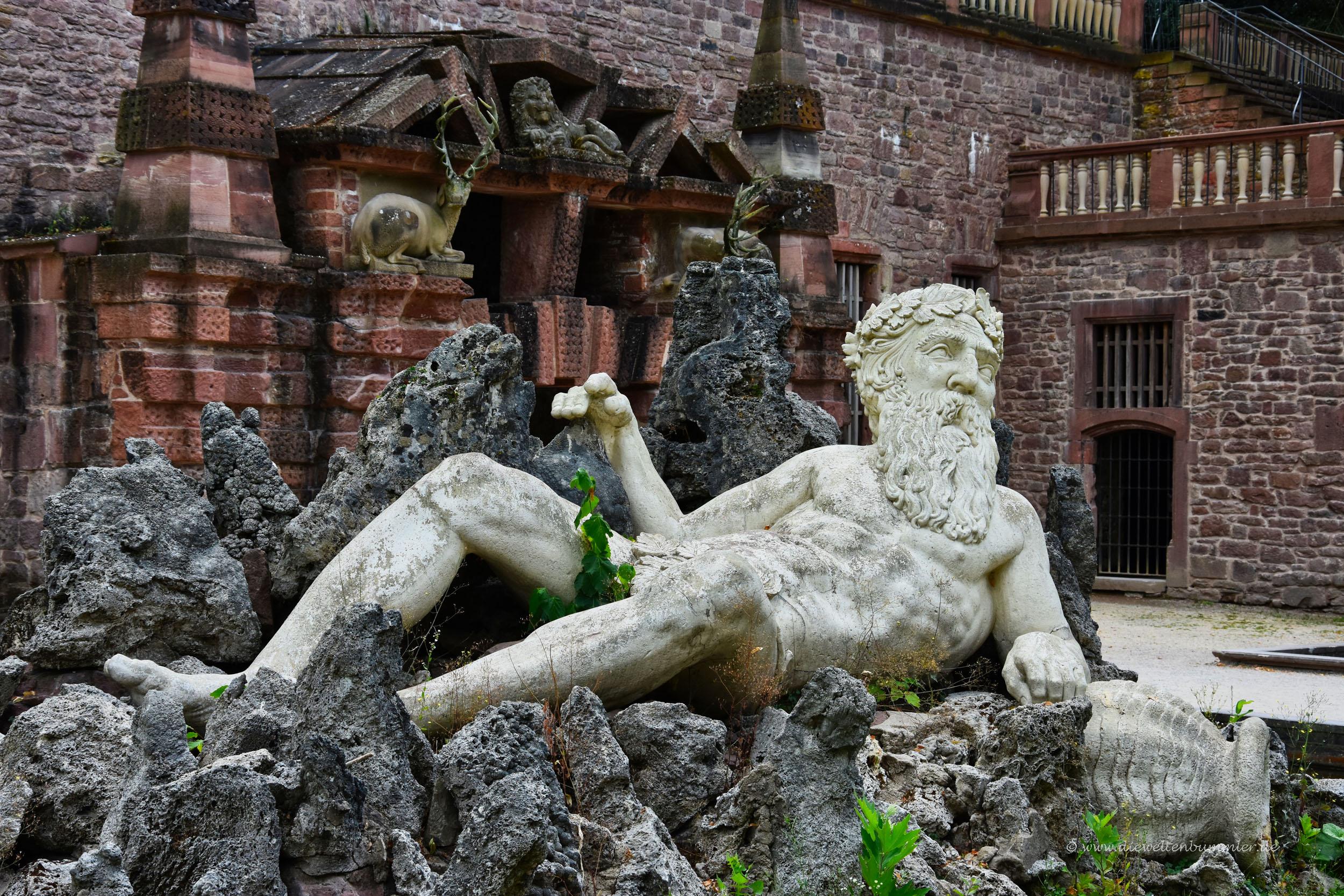 Skulptur Vater Rhein