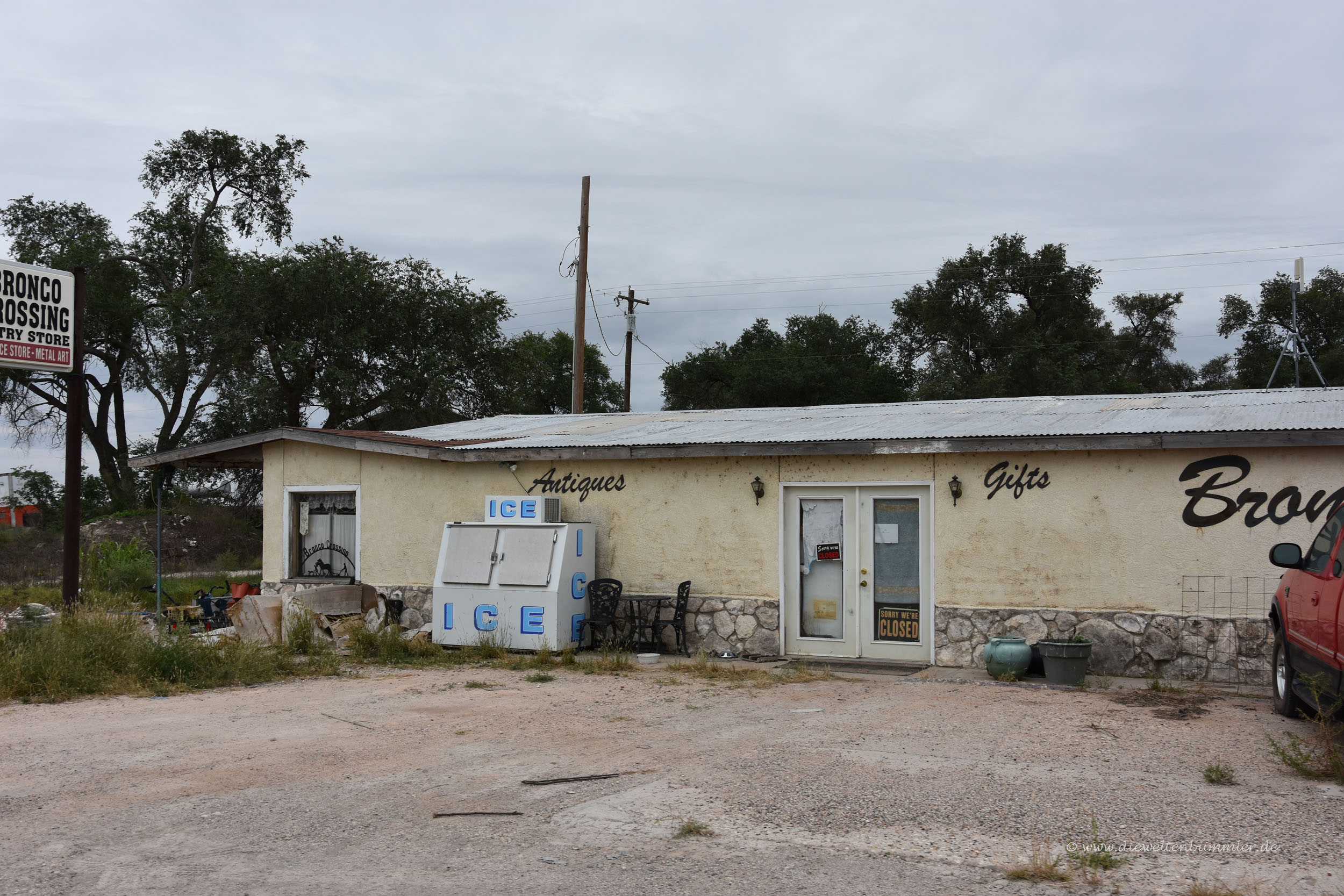 Verlassenes Haus in Texas mit Eismaschine