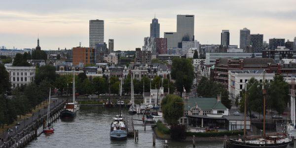 Abfahrt aus dem Hafen von Rotterdam